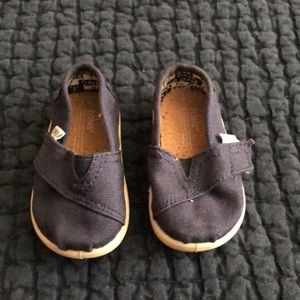 Navy toms for baby size T4